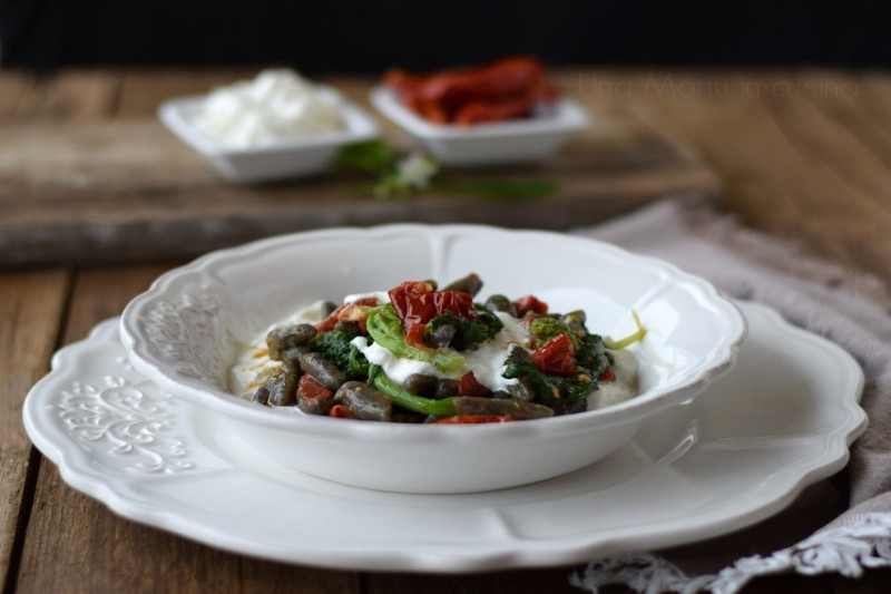 tagAlt.Grano Arso Fettuccini with Sun dried Tomatoes and Greens