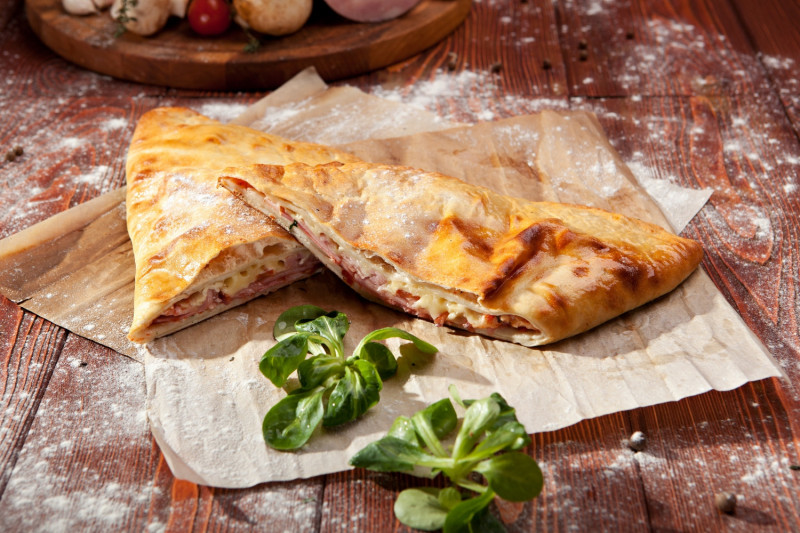 tagAlt.Oven Ham and Cheese Calzone
