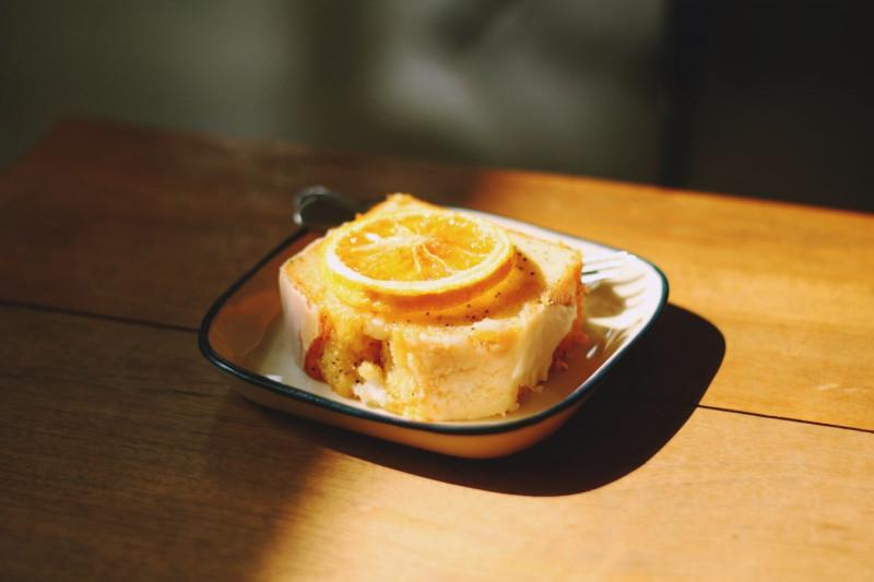 tagAlt.Sweet Ricotta and Orange Cake