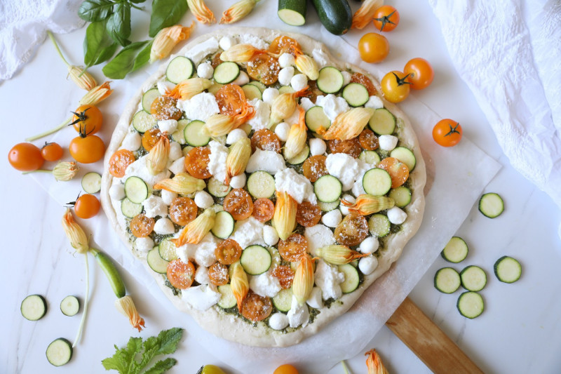 tagAlt.White Pizza with Zucchini Chives and Zucchini Flowers