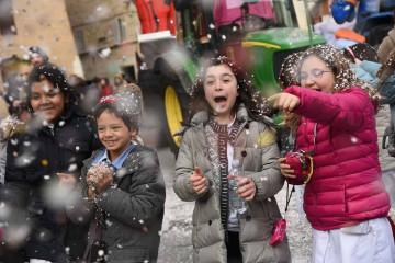 tagAlt.Kids enjoying Carnivale Italy 4